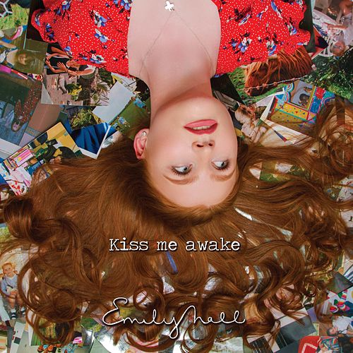 Kiss Me Awake von Emily Hall