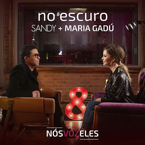 No Escuro by Sandy