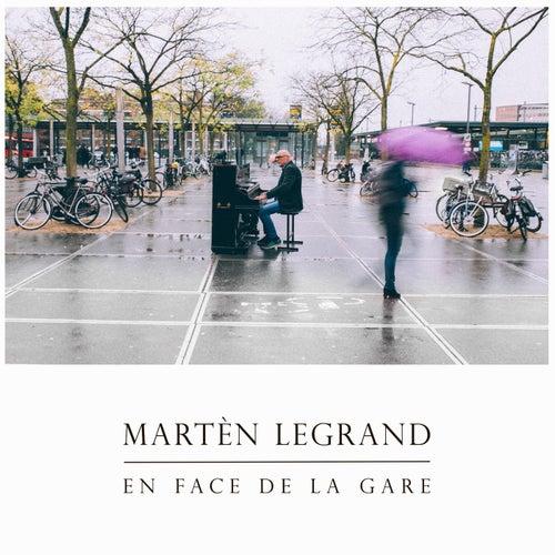 En Face De La Gare von Martèn LeGrand