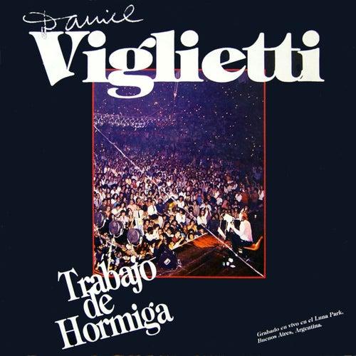 Trabajo de Hormiga by Daniel Viglietti