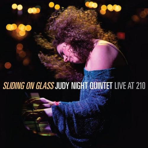 Sliding on Glass (Live) de Judy Night Quintet
