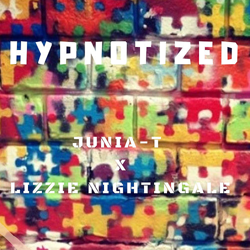 Hypnotized de Junia-T