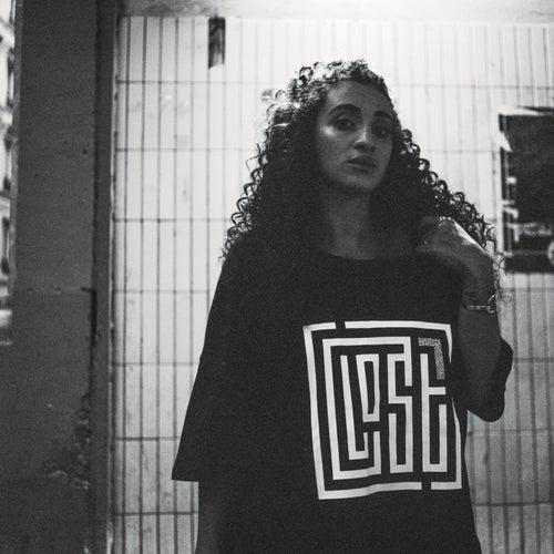 LOST (Edition Deluxe) de Camélia Jordana
