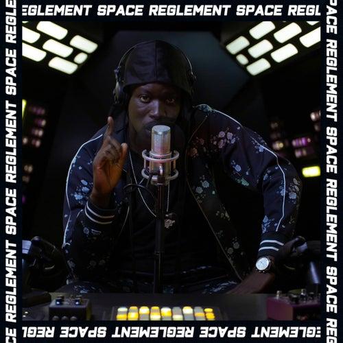 À l'envers (Règlement Space Outro) de S.Pri Noir