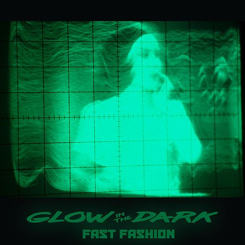 Fast Fashion von Glowinthedark