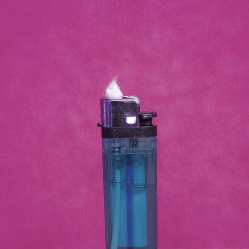 Fussel im Feuerzeug by Vini Paff