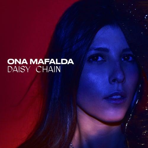 Daisy Chain by Mafalda