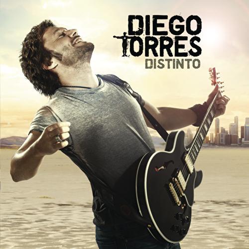 Distinto de Diego Torres