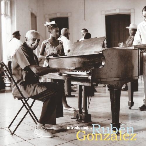 Introducing de Rubén González