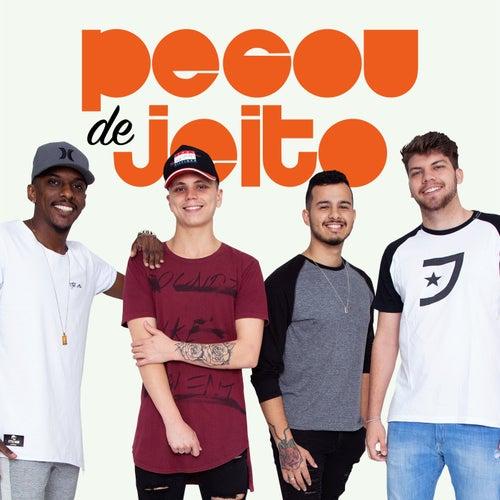 Domingando / Morena / Vingança (Ao Vivo) de Grupo Pegou de Jeito