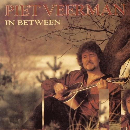 In Between de Piet Veerman