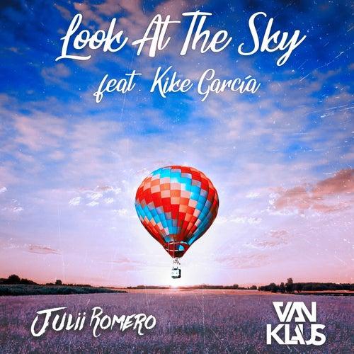 Look At The Sky de Julii Romero