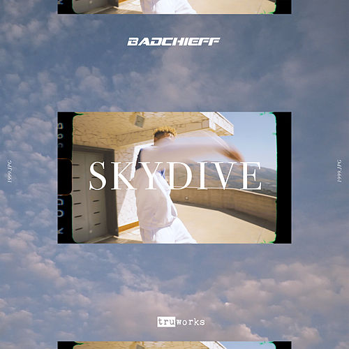 Skydive by Badchieff
