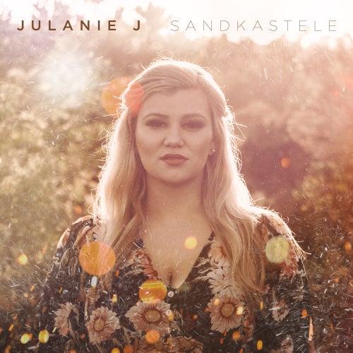 Sandkastele by Julanie J