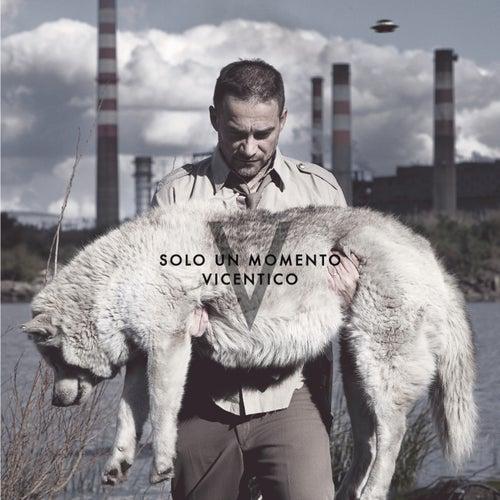 Solo Un Momento by Vicentico