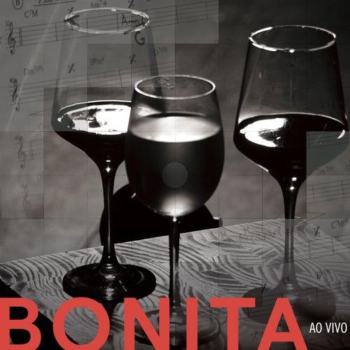 Bonita (ao Vivo) by Fernanda Takai