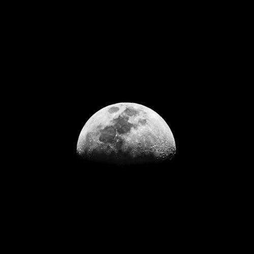 Moondust de Sebastian Coronel
