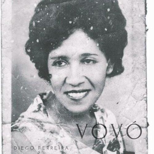 Vovó by Diego Ferreira