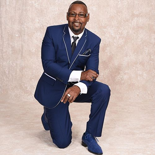 Gospel Medley: I'm a Soldier in the Army of the Lord / There's a Storm out on the Ocean / I'm Gonna Live so God Can Use Me / Praise the Lord Everybody de Byron Thomas