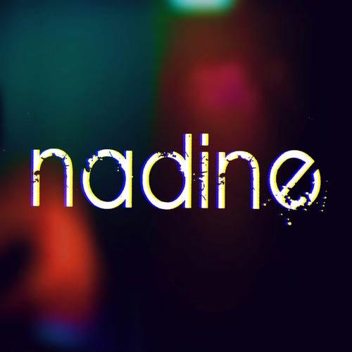 La farsa by Nadine