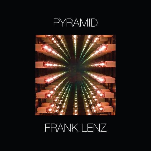 Pyramid de Frank Lenz