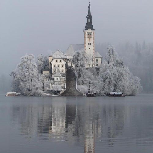 La casa sul lago by Daniele Paoloni