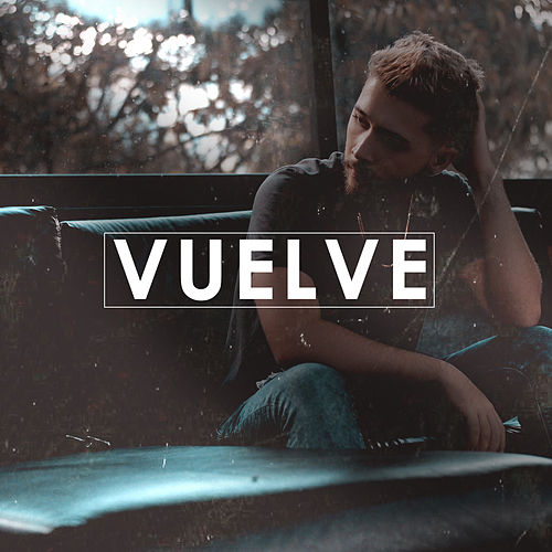 Vuelve by Cristian Osorno