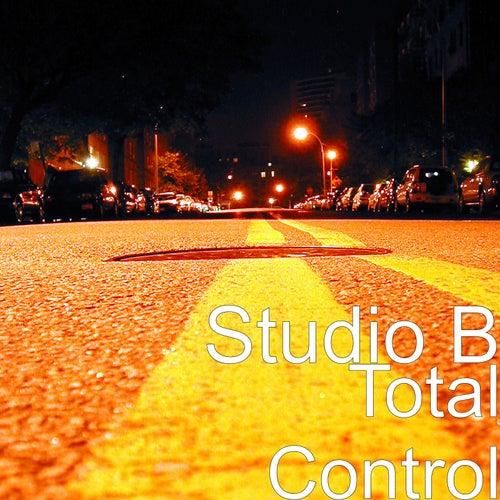 Total Control de Studio B