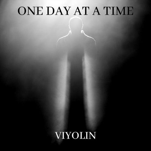One Day at a Time von Viyolin
