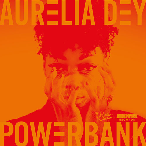 Powerbank by Aurelia Dey