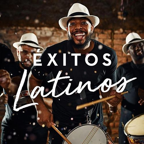Éxitos Latinos by Various Artists