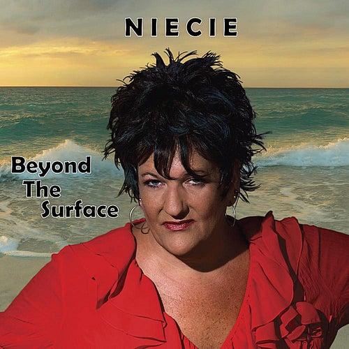 Beyond the Surface de Niecie