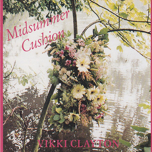 Midsummer Cushion von Vikki Clayton
