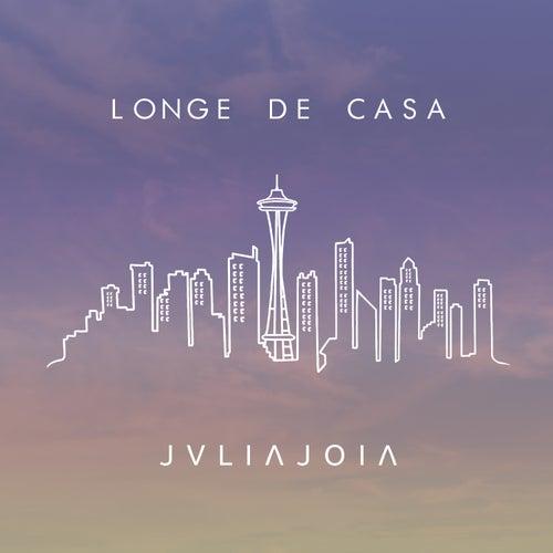 Longe de casa de Julia Joia