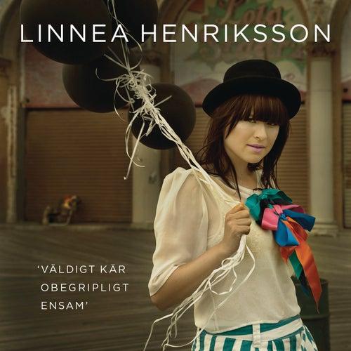 Väldigt kär/Obegripligt ensam von Linnea Henriksson