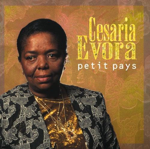 Petit Pays di Cesaria Evora