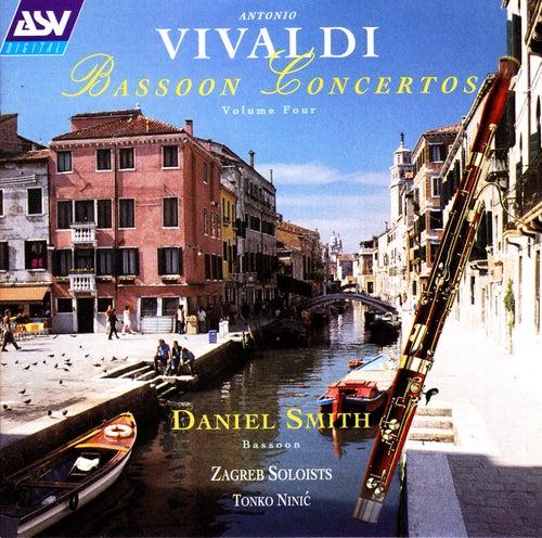 Vivaldi: Bassoon Concertos Vol.4 by Daniel Smith