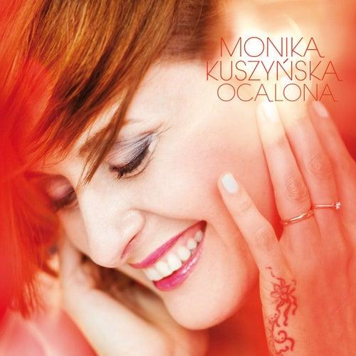 Ocalona von Monika Kuszynska