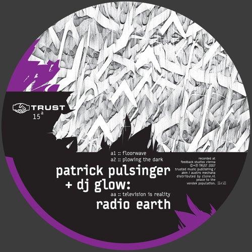 Radio Earth von Patrick Pulsinger