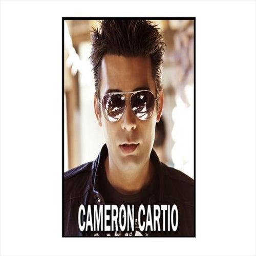 Bia Nazdiktar (Closer) de Cameron Cartio